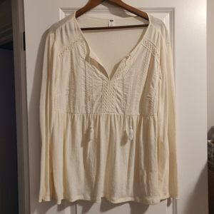Old Navy off-white shirt